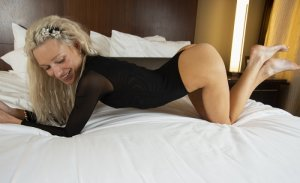 Jenita adult dating in Fenton